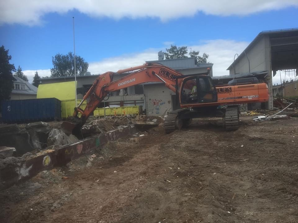 Koulurakennuksen purku