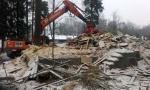 Talon purkua Lauttasaaressa