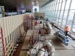 Lattian purkua lentokentällä