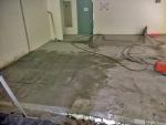 Aukon sahaus betonilattiaan