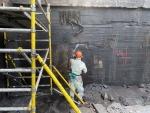 Bitumin poisto betonista Torbolla