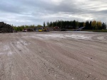 Betonilla asfalttikentän pohjat